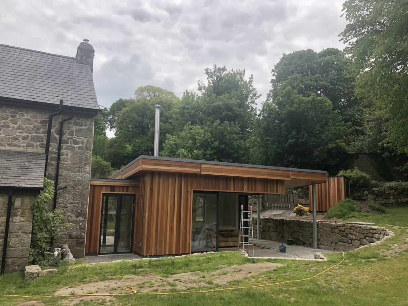 Contemporary extension to Grade II listed Leigh House, Chagford completed – Rud Sawers Architects, Devon